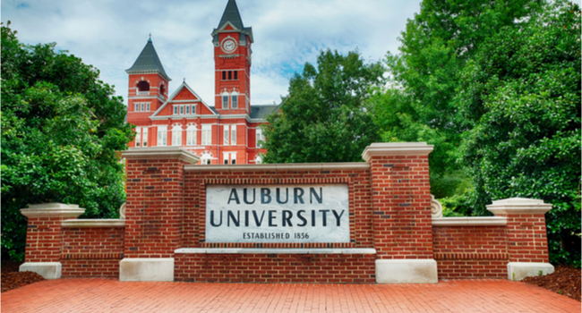 Auburn University Offers Safety Feature That Allows Friends to Walk Virtually Together